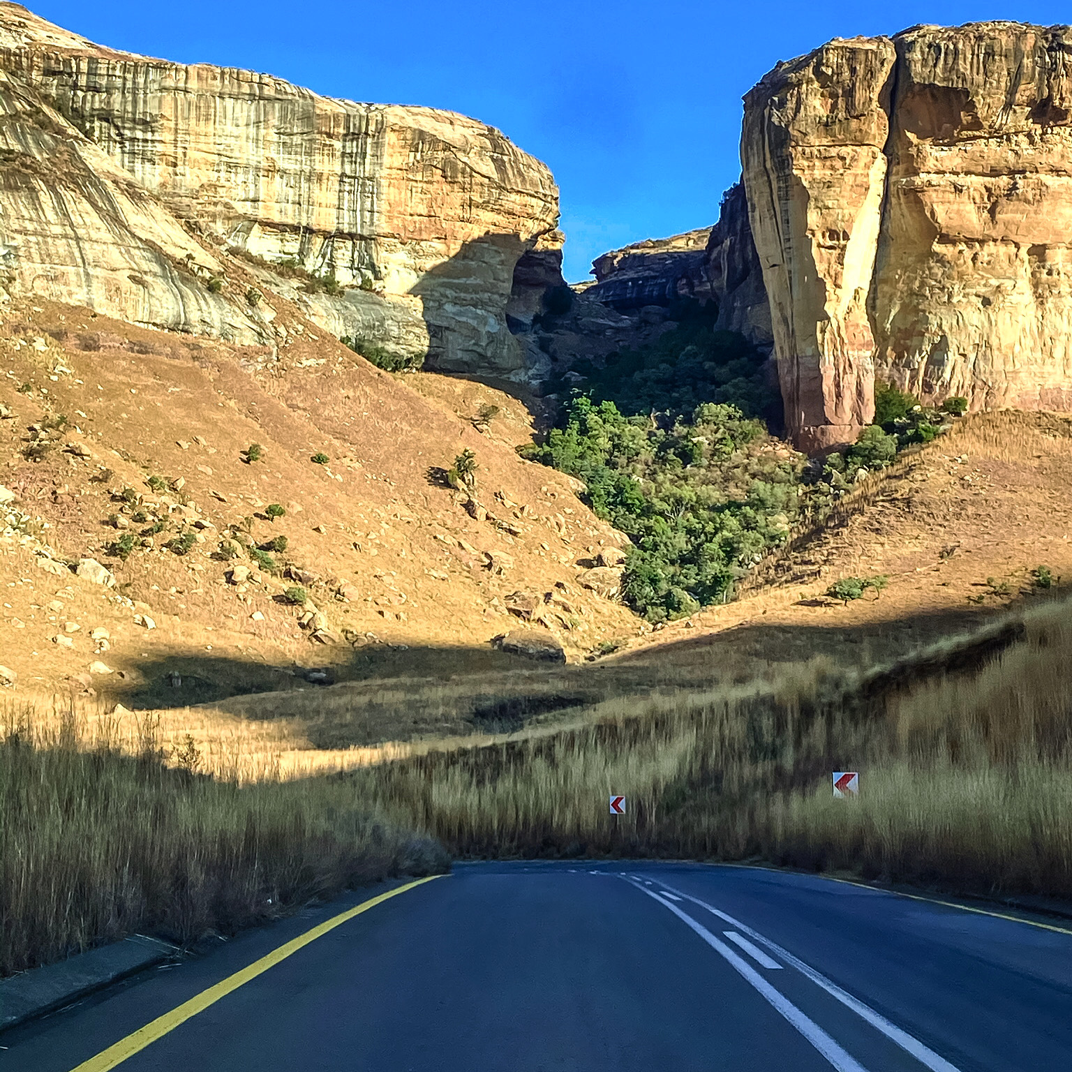 Sandstone in Clarens through a road pass