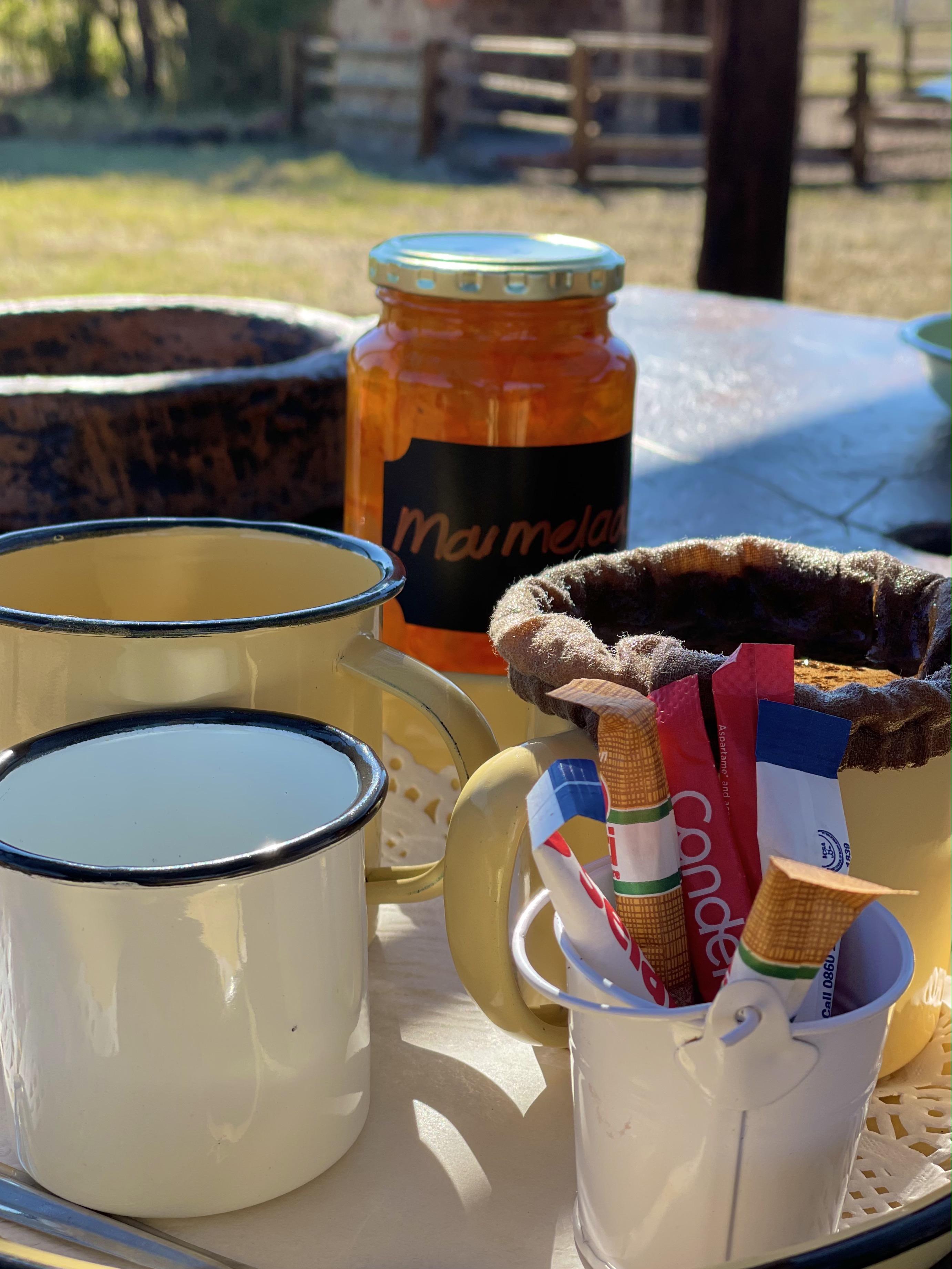 Moer koffie and condense milk